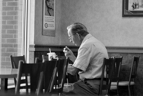 eat_alone_2